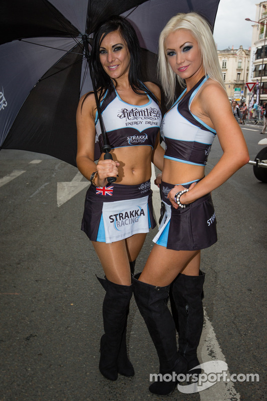 Strakka Racing girls