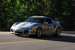 #73 Porsche 996 Turbo: Fred Veitch