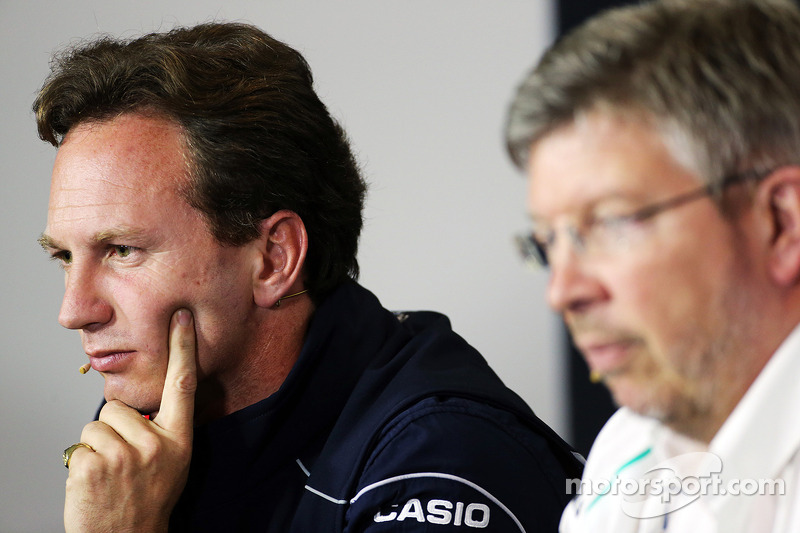 Christian Horner, Teambaas Red Bull Racing en Ross Brawn, Teambaas Mercedes AMG F1 bij de FIA-persco