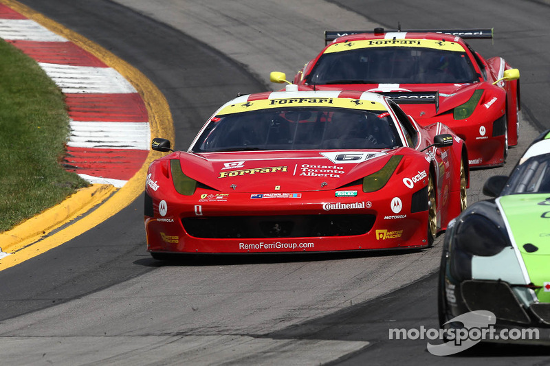 #61 R.Ferri/AIM Motorsport Racing with Ferrari Ferrari 458: Max Papis, Jeff Segal, Toni Vilander