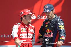 Fernando Alonso Ferrari met Mark Webber, Red Bull Racing op het podium