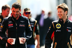 (L to R): Guillaume Rocquelin, Red Bull Racing Race Engineer with Romain Grosjean, Lotus F1 Team