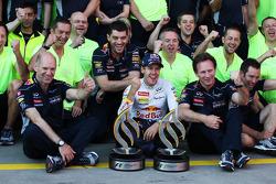 Race winner Sebastian Vettel, Red Bull Racing celebrates with Adrian Newey, Red Bull Racing Chief Technical Officer, Christian Horner, Red Bull Racing Team Principal and the team