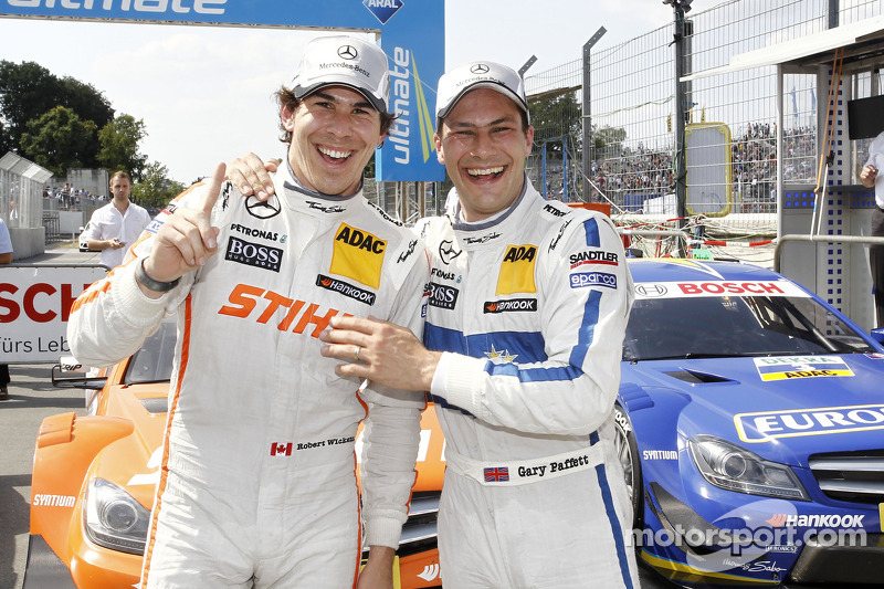 Pole position for Robert Wickens, third place Gary Paffett