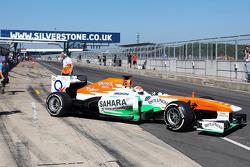 Adrian Sutil, Sahara Force India VJM06 verlaat de pits