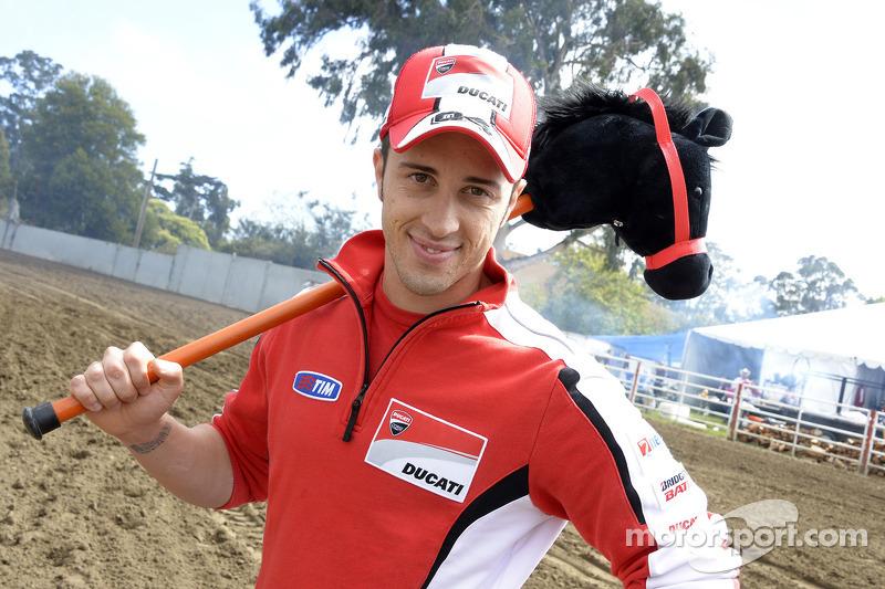 Andrea Dovizioso, Ducati Team bezoeken een rodeo