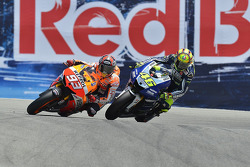 Marc Márquez, Repsol Honda Team rebasa a Valentino Rossi, Yamaha Factory Racing