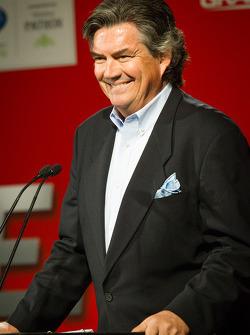 Host Bob Varsha