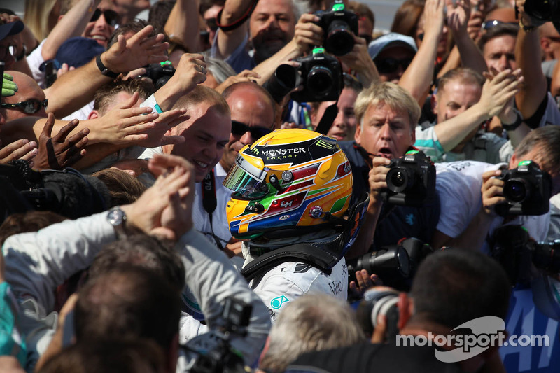 1e plaats Lewis Hamilton, Mercedes AMG F1 W04