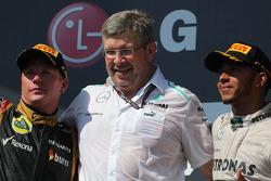 Kimi Raikkonen, Lotus F1 Team, Ross Brawn, Mercedes GP, Technical Director  and Lewis Hamilton, Mercedes AMG F1