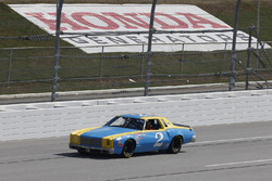Первая гоночная машина Дейла Эрнхардта-мл. в NASCAR Cup