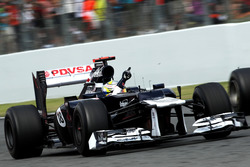 Race winner Pastor Maldonado, Williams FW34 celebrate