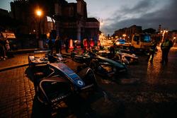 Автомобили Себастьена Буэми, Renault e.Dams, Нельсона Пике-мл., Jaguar Racing, и Лукаса ди Грасси, Audi Sport ABT Schaeffler