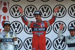 Podium : le vainqueur Nigel Mansell, Williams, le second Nelson Piquet, Williams, le troisième Riccardo Patrese, Brabham