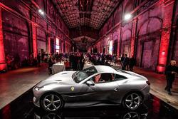 Ferrari akşam yemeği atmosfer