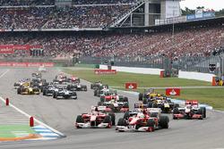 Felipe Massa, Ferrari F10 voor Fernando Alonso, Ferrari F10 bij de start van de race