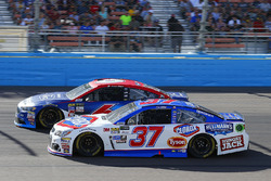 Chris Buescher, JTG Daugherty Racing Chevrolet and Trevor Bayne, Roush Fenway Racing Ford