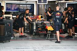 Daniel Ricciardo, Red Bull Racing RB13 in the garage