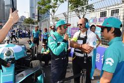 Luca Filippi, NIO Formula E Team, Ma Qinghua, NIO Formula E Team, on the grid