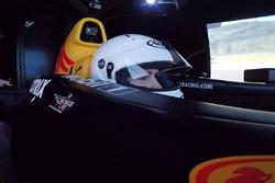 Тесты Синем Темур на симуляторе Red Bull
