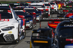 Дирк Мюллер, Джой Хенд, Себастьен Бурдэ (№66), Райан Бриско, Ричард Уэстбрук, Скотт Диксон, Chip Ganassi Racing, Ford GT (№67)