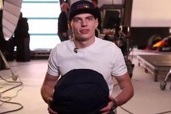 Helm baru Max Verstappen