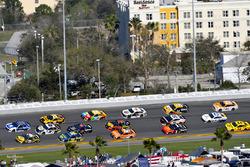 Alex Bowman, Hendrick Motorsports Chevrolet Camaro en Ryan Newman, Richard Childress Racing Chevrolet Camaro