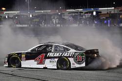 Kevin Harvick, Stewart-Haas Racing, Jimmy John's Ford Fusion, festeggia
