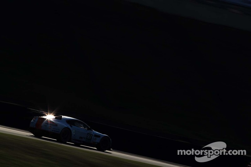Darren Turner, Stefan Muecke, Aston Martin Vantage V8