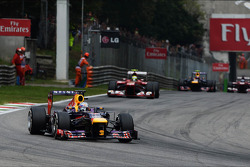 Sebastian Vettel, Red Bull Racing RB9 leads the race