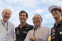 Ron Walker, presidente de la Corporación del GP de Australia con Mark Webber, del Red Bull Racing; Ong Beng Seng, propietario de Hotel Properties Ltd y Emprendedor singapurense; Daniel Ricciardo, Scuderia Toro Rosso