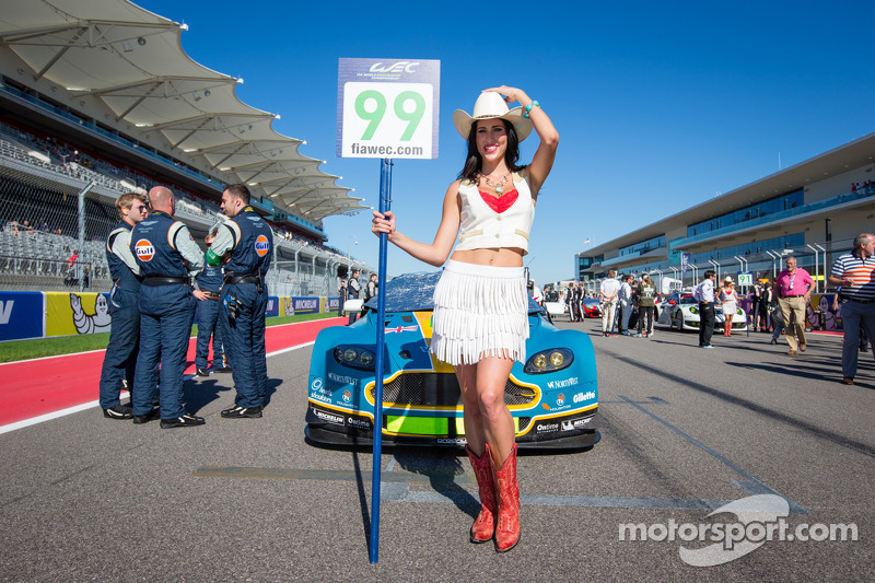 Een charmante grid girl