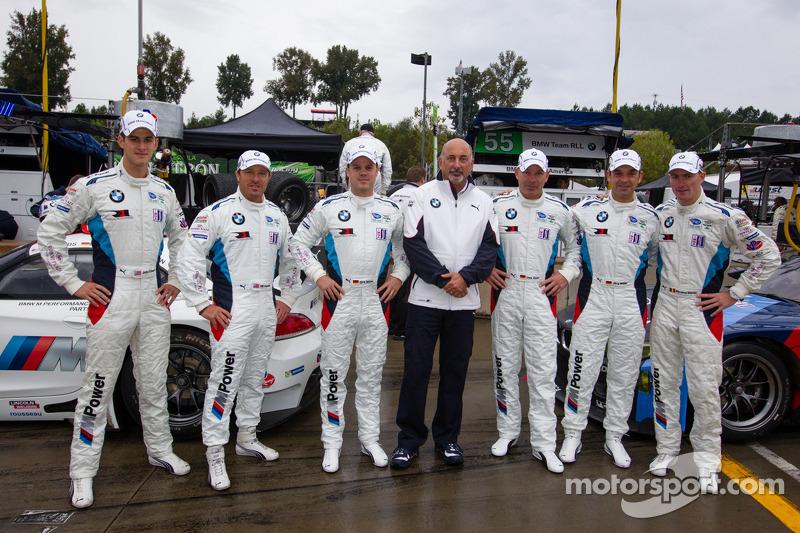 BMW Team RLL photoshoot: Dirk Müller, John Edwards, Bill Auberlen, Maxime Martin, Jörg Mu_ller, Uwe Alzen met Bobby Rahal