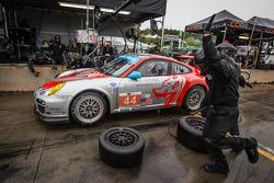 Pit stop for #44 Flying Lizard Motorsports Porsche 911 GT3 Cup: Seth Neiman, Dion von Moltke, Brett Sandberg
