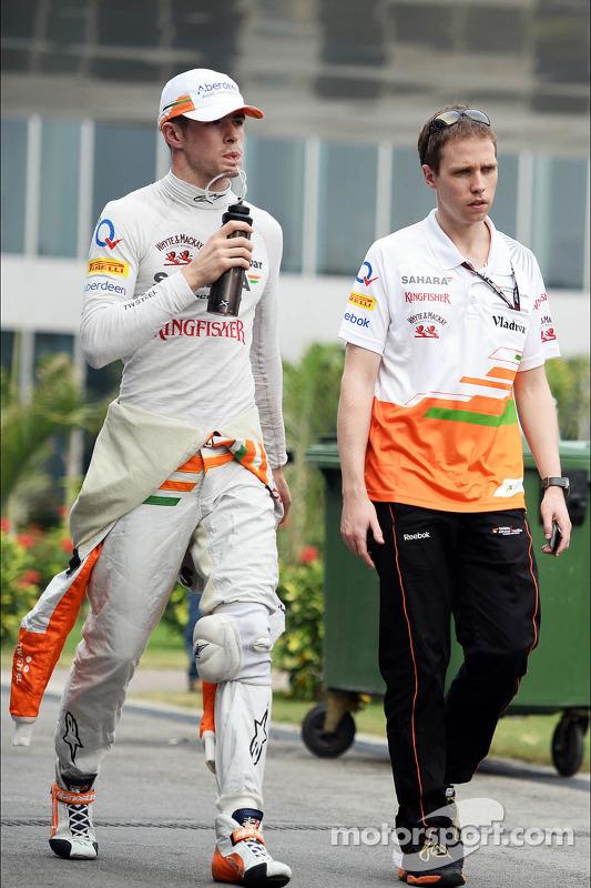 Paul di Resta, Sahara Force India F1 com Will Hings, Sahara Force India F1 Assessor de Imprensa