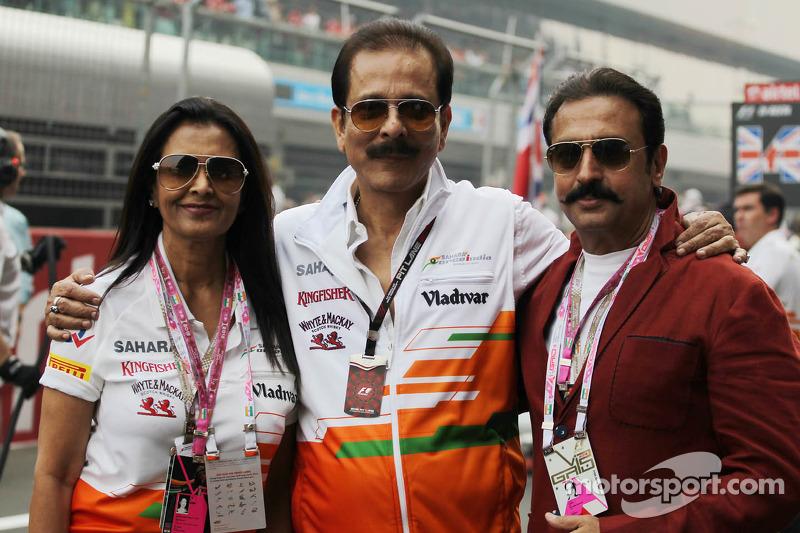 Subrata Roy Sahara, Sahara Chairman with his wife Swapna Roy, on the grid