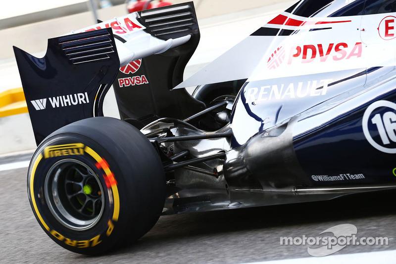 Williams FW35 of Pastor Maldonado, Williams rear suspension and exhaust detail