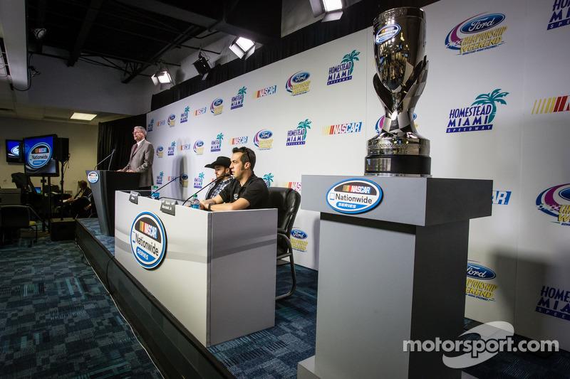 Persconferentie titelfavorieten:  NASCAR Nationwide Series kanshebbers Austin Dillon en Sam Hornish Jr.