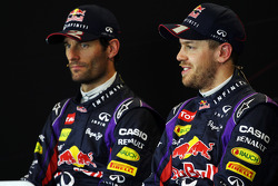 (Da esquerda para direita): Mark Webber, Red Bull Racing, e o companheiro Sebastian Vettel, Red Bull Racing, na coletiva de imprensa da FIA