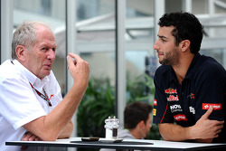 Helmut Marko, Red Bull Racing consultant, with Daniel Ricciardo