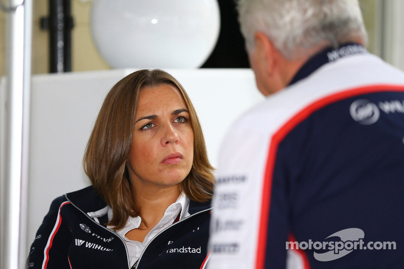 (L naar R): Claire Williams, Adjunct-teambaas Williams met Pat Symonds, Williams Chief Technical Off