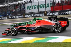 Jules Bianchi, Marussia F1 Team MR02 y Charles Pic, Caterham CT03 al inicio de la carrera