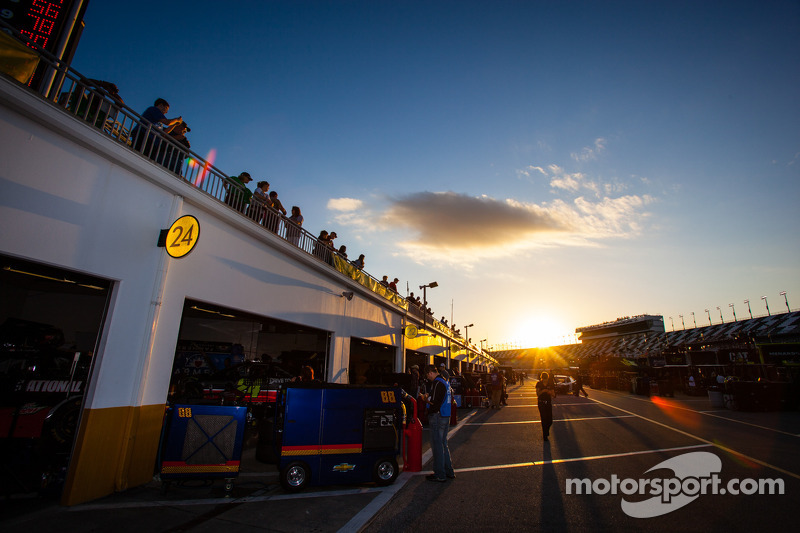 Garage atmosfera al tramonto