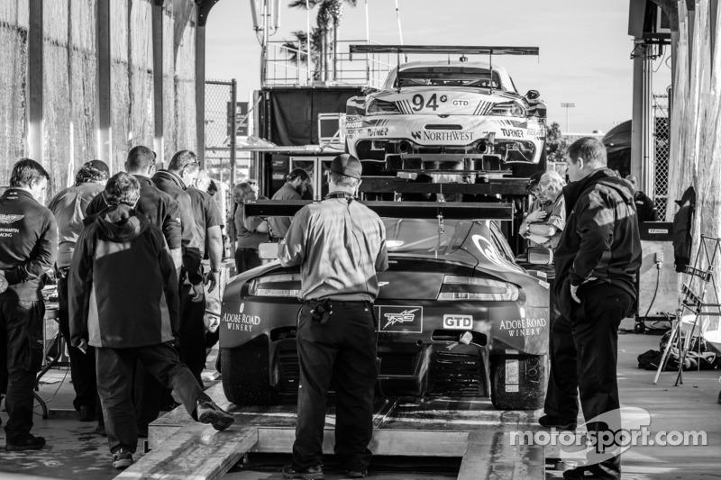 #009 TRG-AMR 阿斯顿马丁 V12 Vantage 在技术检查中