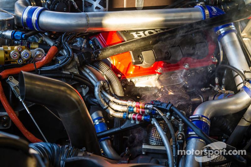 Extreme Speed Motorsports HPD ARX-03b Honda engine smoking