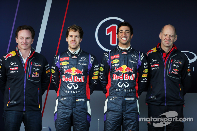 (L to R): Christian Horner, Red Bull Racing Team Principal, Sebastian Vettel, Red Bull Racing, Danie