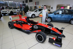 Colin Noble Jr. ve Formula Renault aracı