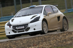Jacques Villeneuve tests the Peugeot 208