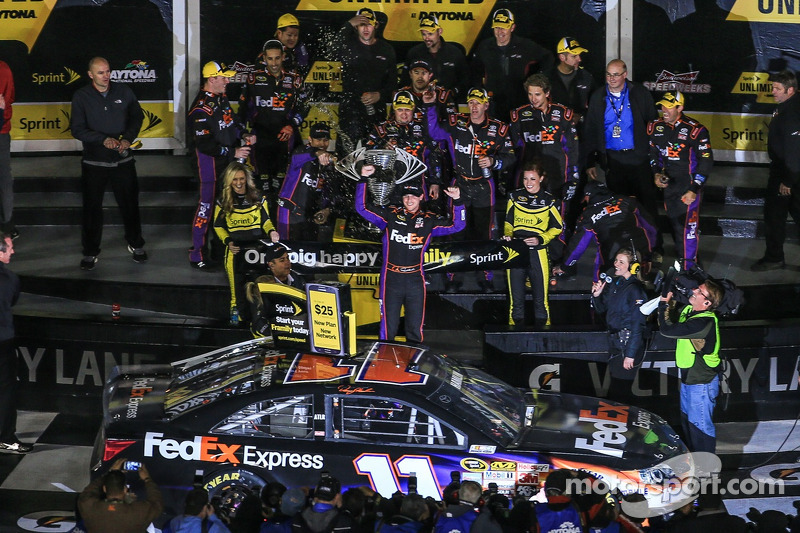 Denny Hamlin, Joe Gibbs Racing Toyota celebrates