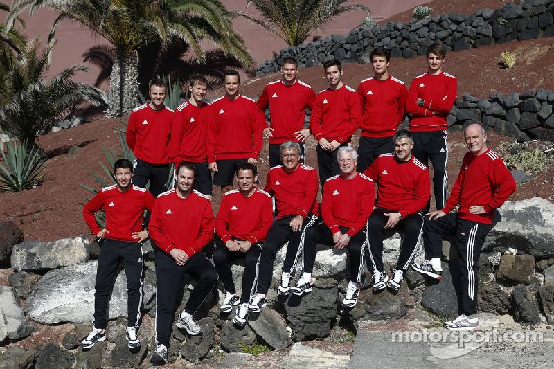 DTM Audi pilotları ve takım patronları grup fotoğrafı